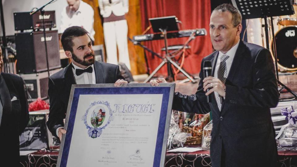 Vas Megye és Kőszeg Város Bálján adták át az Év Vasi Embere 2016 díjat.