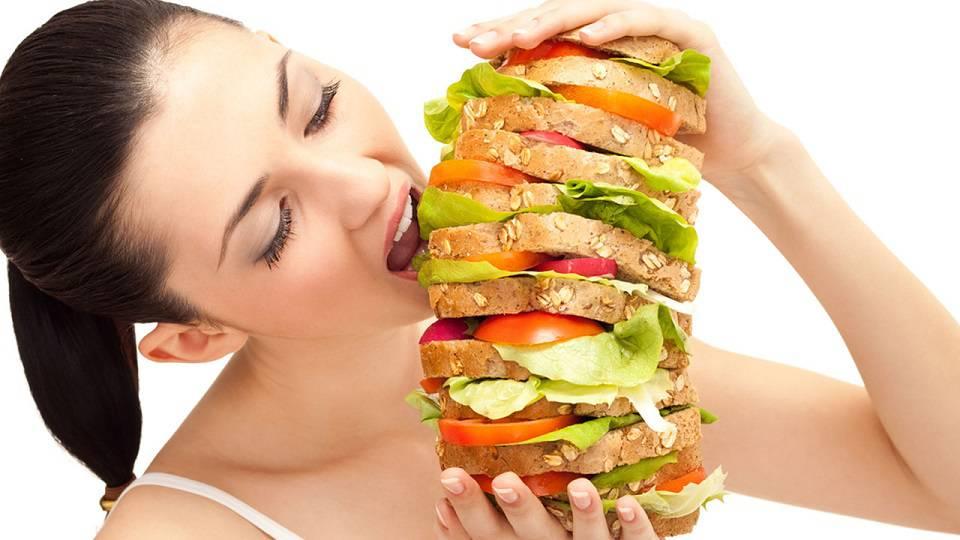 Imád enni a 210 kilós influenszer