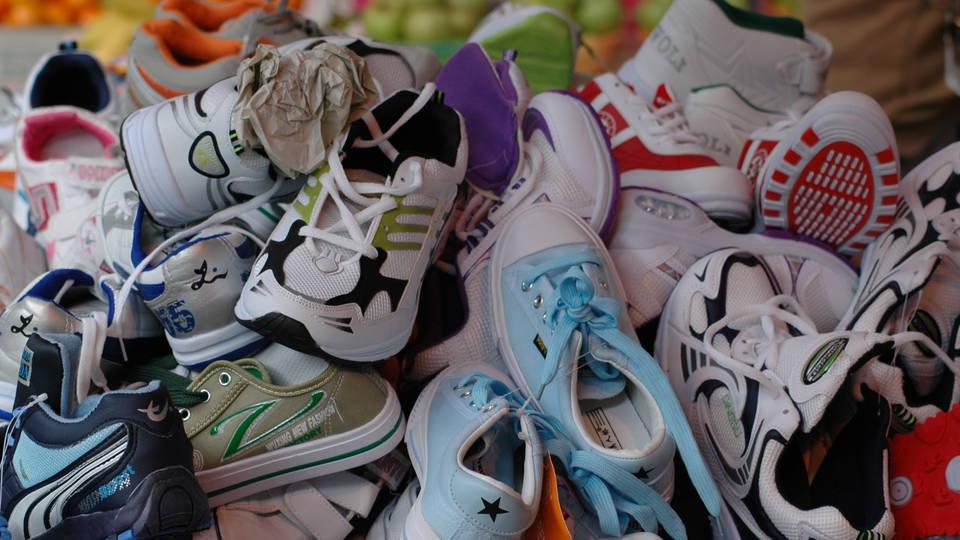 helyszíni találkozón cipők